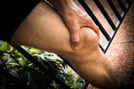 5 Effective Ways to Relieve Chronic Knee Pain at Home
